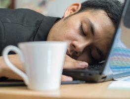 5 passos para vencer o sono depois do almoço