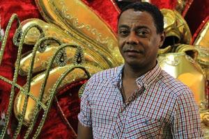 Carnaval: carnavalesco Nilson Lourenço