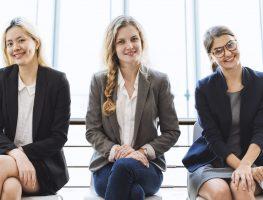 Guarda-roupa de trabalho: o que vestir na reunião?