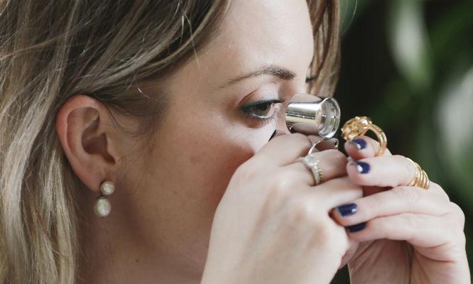 designer de joias e gemóloga Andressa Borotti, proprietária da Andressa E