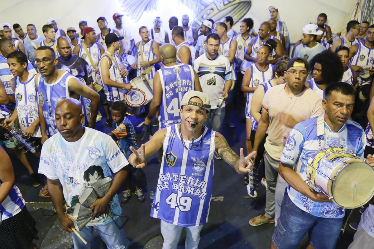 Markão: o mestre da bateria da Nenê de Vila Matilde no Carnaval