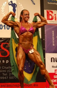 Fisiculturista Larissa Cunha