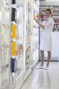Balconista e Farmacêutica Enilva de Oliveira Silva