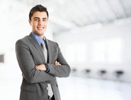 Como encarar um chefe mais novo?