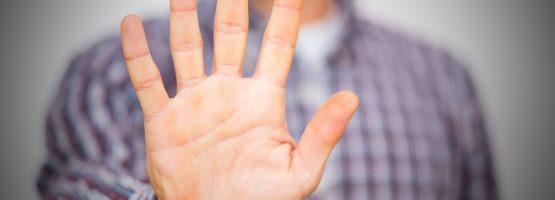 Evite estas cinco atitudes negativas no trabalho