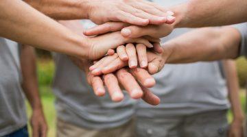 Trabalho voluntário pode valorizar seu currículo