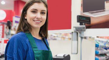 Trabalhar em supermercado é opção para começar carreira